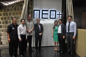 Seen in the picture (from left to right) – Mr. Daniel Hutagalung as General Manager Hotel NEO Green Savana Sentul City, Mr. Andrian Budi Utama as Vice President Director of PT. Sentul City Tbk., Mr. John Flood as President & CEO Archipelago International, Mr. Jules Brookfield as Vice President of Technology Archipelago International, Mrs. Reina Kumala Kwee as President Director of PT. Gunung Geulis Elok Abadi, Mr. Cahyadi Kumala Kwee as President Director PT. Sentul City Tbk.