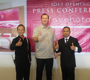 Soft Opening Ceremony of favehotel Palembang - Seen in the image from left to right : Mr. Aidhilluddin - Hotel Manager of favehotel Palembang, Mr. John Flood - President & CEO of Archipelago International and Mr. Muhaimin Ramza General - Manager of Aston Palembang.