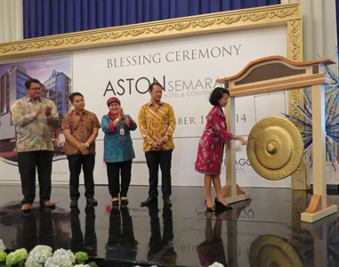 Blessing ceremony of Aston Semarang Hotel & Convention Center Ceremony, Seen in the picture from left to right Mr. Yanuar Dedy Setyawan as Corporate Sales & Marketing Director of Archipelago International, Mr. Berri Naurika as General Manager of Aston Semarang Hotel & Convention Center, Mrs. Masdiana Safitri SH as Head of Culture and Tourism Semarang, Mr. Ali Budiono as owner of Aston Semarang Hotel, Mrs. Dra. Hj. Ayu Entys WL, MM as representative for Mayor of Semarang.