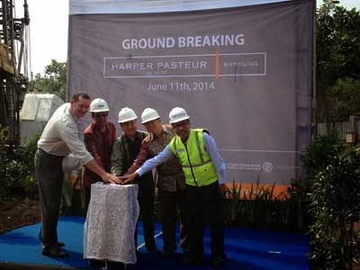 Seen in the picture - Mr. John Flood as CEO & President of Archipelago International Indonesia with owners of Harper Pasteur - Bandung during Ground Breaking event