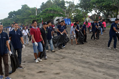 Snapshot of Archipelago International Beach Cleaning Event