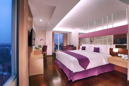 Seen in the picture - Standard Room of Quest Hotel Surabaya.