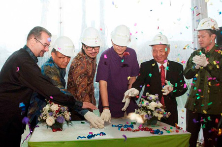 Seen in the picture from left to right Mr. Norbert Vas as Vice President Sales & Marketing of Archipelago International, Mr. Tony Amin as President Commissioner of PT. Kebayoran Puspita, Mr. Anthony Putihrai as President Director of PT. Kebayoran Puspita (CEO Tamara Land), Mr. Omar Putihrai as Vice Chairman of Tamara Group, Mr. Bing Rahardjo as Commissioner of PT. Kebayoran Puspita, and Mr. Otto Putihrai as Director of PT. Kebayoran Puspita during the Ground Breaking Ceremony.