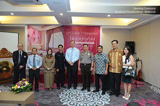 Terlihat di gambar : Tampak Luar dari favehotel Panakkukang - Makassar