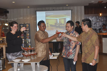 Snapshoot of the Grand Opening Celebration Harper Kuta champagne toast. Seen in the image (from left to right): Ms. Tenaiya Brookfield as Director of E-Commerce Archipelago International, Mr. Budhiwijaya as General Manager of Harper Kuta, Mr. Robin Makmur and Mr. Handy Lim as Directors of PT. Graha Bali Propertindo.