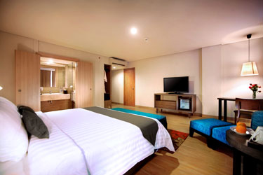 Kamar Junior Suite Harper Kuta
