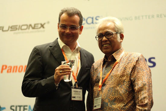 Seen in the picture (L - R): Mr. Norbert Vas - Vice President Sales & Marketing of Archipelago International & Mr. Firmansyah Rahim - Director General of Tourism Destination Development from Ministry of Tourism and Creative Economy of Republic Indonesia.
