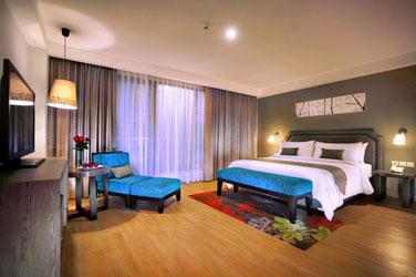 The Deluxe Room of Harper Kuta - Bali