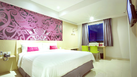 Seen in the image : Superior Room at favehotel MT. Haryono Balikpapan