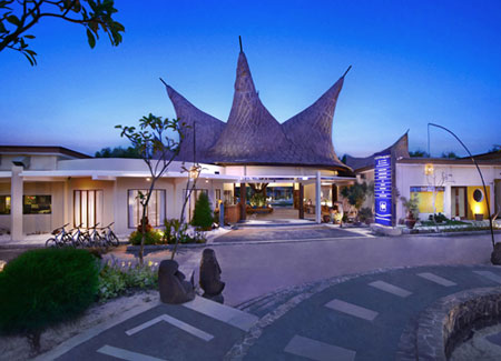 The Exterior Look of Aston Sunset Beach Resort - Gili Trawangan