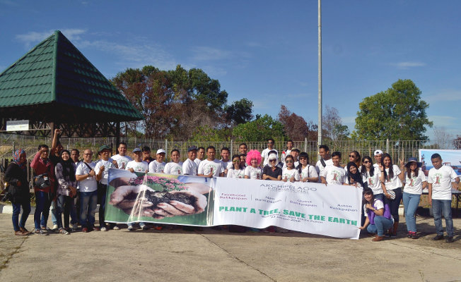 Archipelago International Plants Tree Seeds in Balikpapan for One Million Trees Day