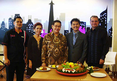 Snapshoot of Soft Opening favehotel Kelapa Gading - Jakarta, seen in the image (left to right) Mr. Buditama Setiawan as Hotel Manager favehotel Kelapa Gading, Mrs. Irawan Ambiadi as wife of Mr. Irawan Ambiadi that also as owner of favehotel Kelapa Gading, Dr. Hendra Susanto as owner of favehotel Kelapa Gading, Mr. irawan Ambiadi - Director of PT. Migata Anugrah Abadi that also as owner of favehotel Kelapa Gading and Mr. Norbert Vas as Archipelago International's Vice President of Sales & Marketing.